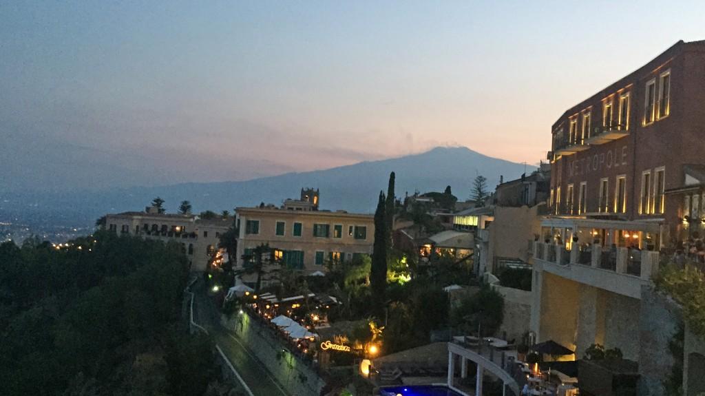 Etna kan ses fra Taomina