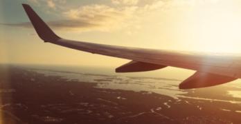 Hvilke rettigheder har man ved flyforsinkelse?