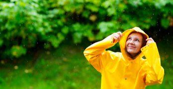 En smart og tidløs regnjakke